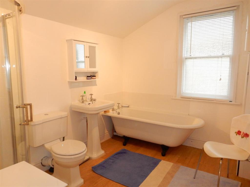 The 4-piece bathroom