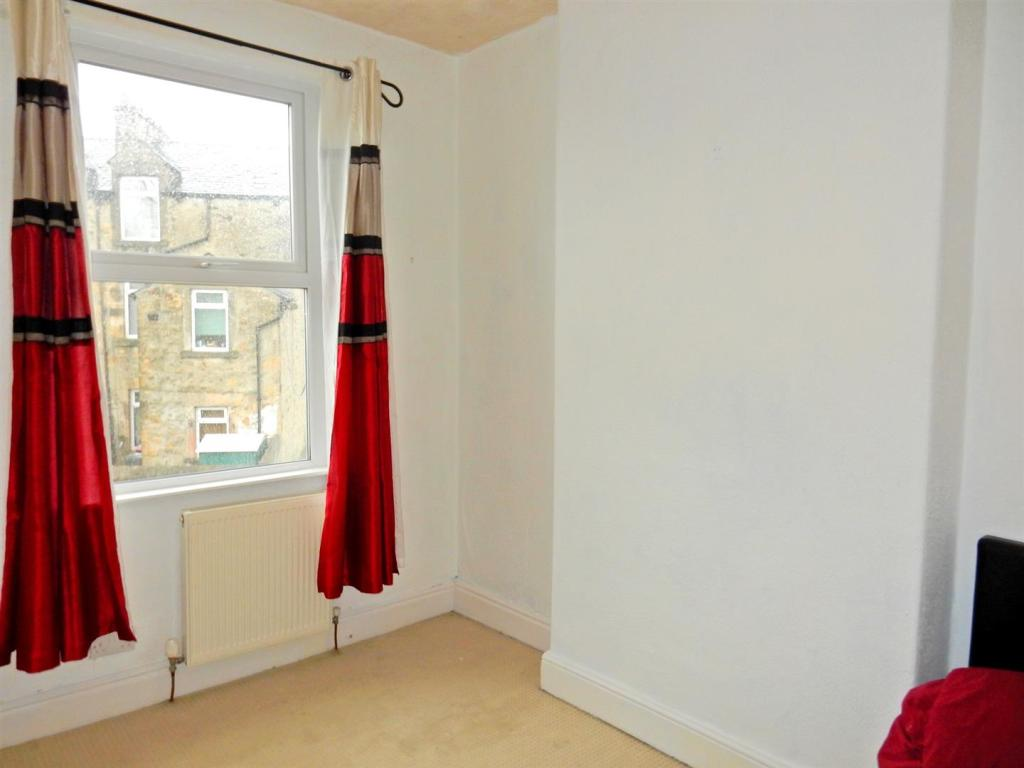 A smart 2nd bedroom