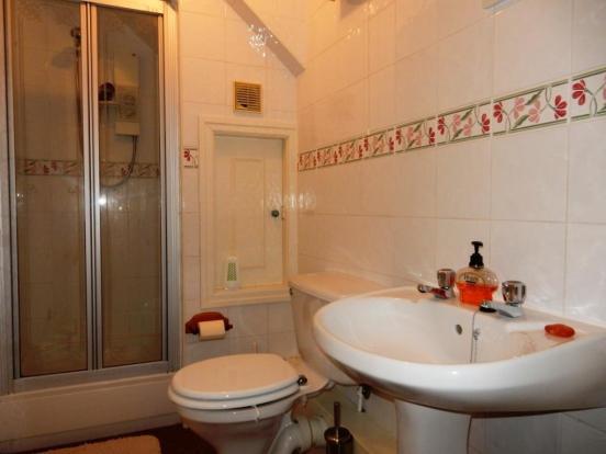 Separate shower room