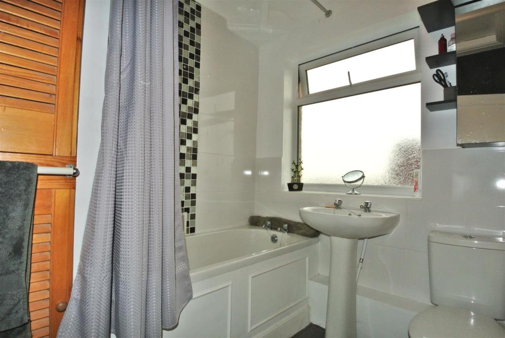 The 3-piece bathroom