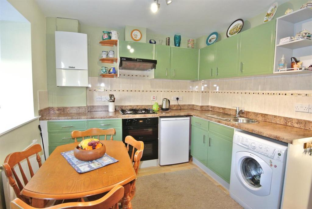 Kitchen with Space t