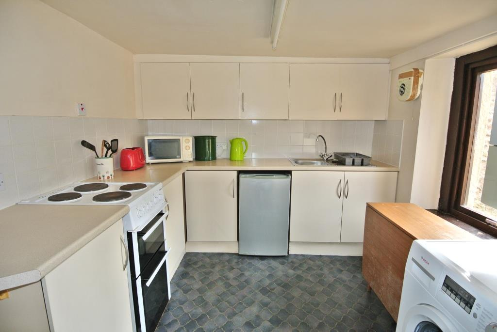 Kitchen to the Lower