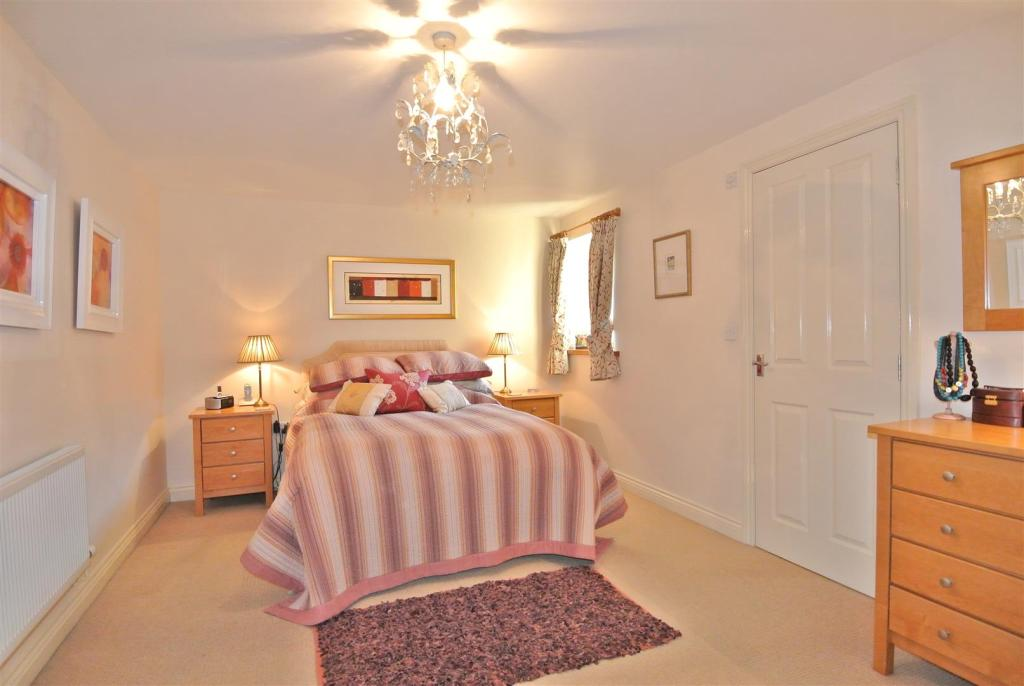 The master bedroom h