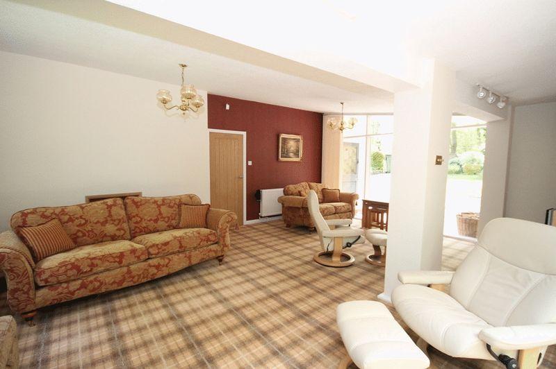 large lounge2