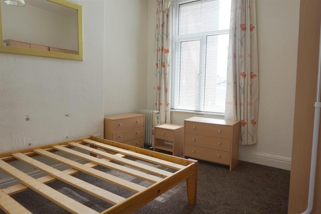 Bedroom (Flat 2)