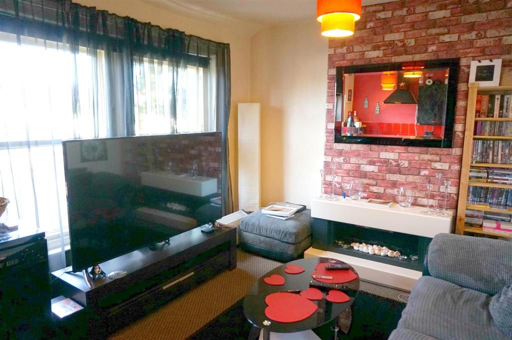 Lounge (Flat 3)