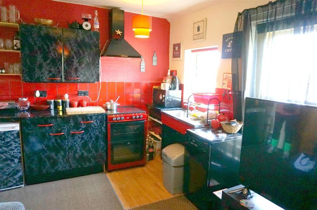 Kitchen (Flat 3