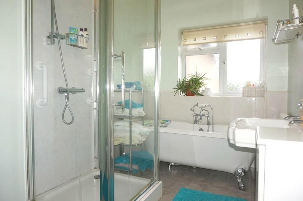 Four Piece Bathroom.