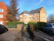 2 bedroom Ground Flat in Mill Road Drive...