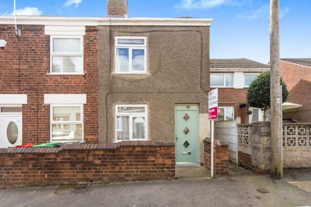 2 bedroom end of terrace house for sale in palmerston