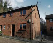 4 bed semi detached home in Wheatsheaf Gardens, Lewes