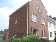 Town House for sale in Morris Drive...