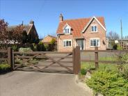 4 bed Detached property for sale in Lingwood Road, Blofield...