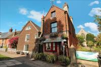6 bed Detached home in High Street, Steyning