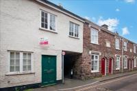 3 bed Terraced property in Barrington Street...