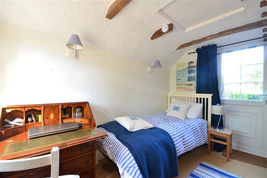Bedroom 3/ Office