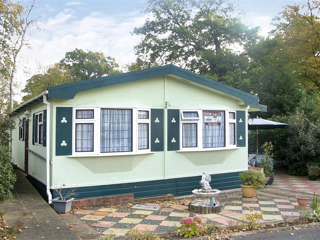 2 Bedroom Mobile Home For Sale In Deanland Wood Park Hailsham East Sussex Bn27