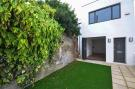 2 bed Detached property for sale in Bridle Path, Beddington...