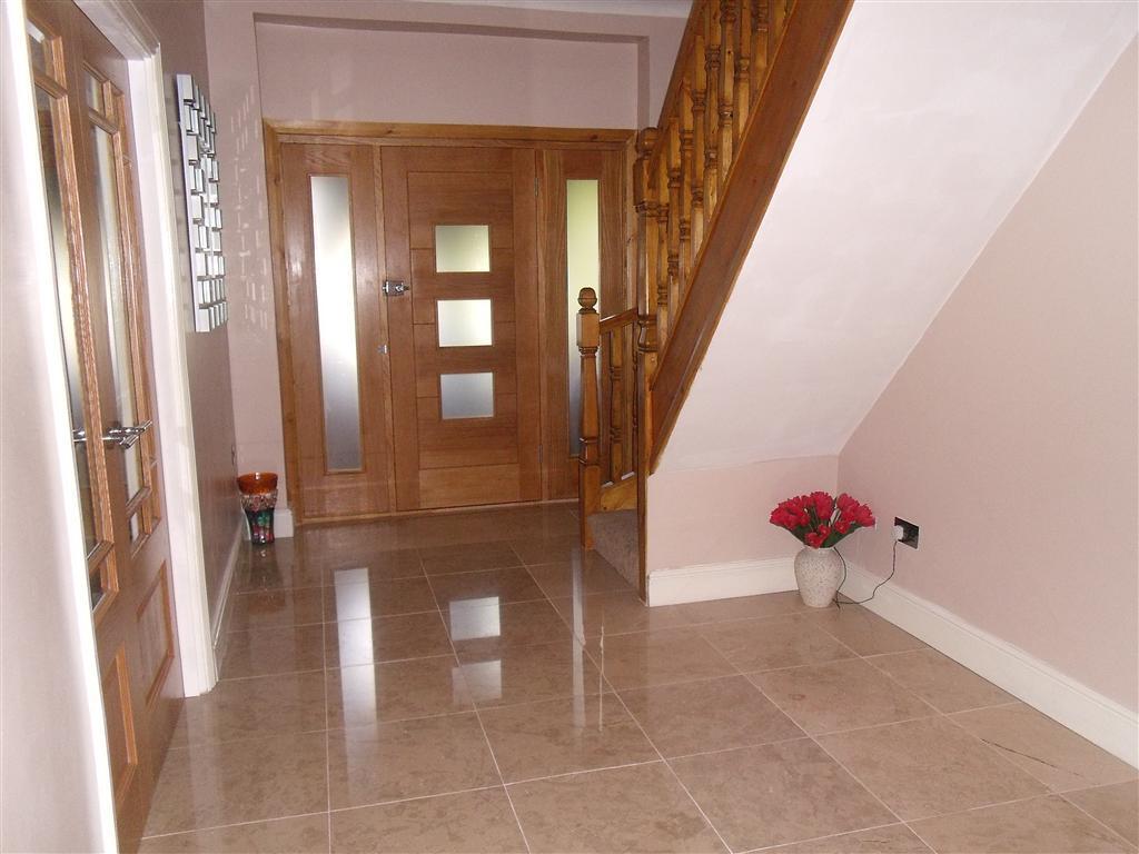 19 Beautiful White Hallway DMA Homes 40088