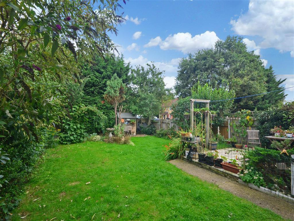 4 Bedroom Semi Detached House For Sale In Jessel Drive