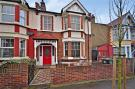 3 bed semi detached house in Leyton, London
