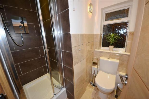 Shower Room n