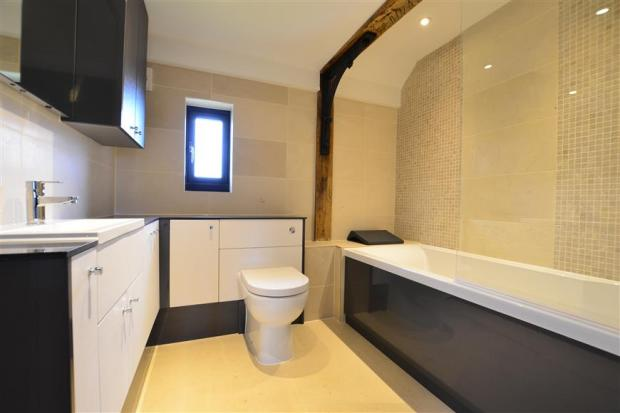4 bedroom barn conversion for sale in queens farm road for Barn conversion bathroom ideas