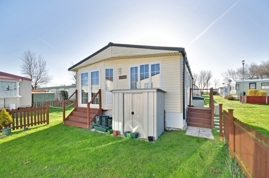 3 Bedroom Mobile Home For Sale In Reculver Herne Bay Kent Ct6