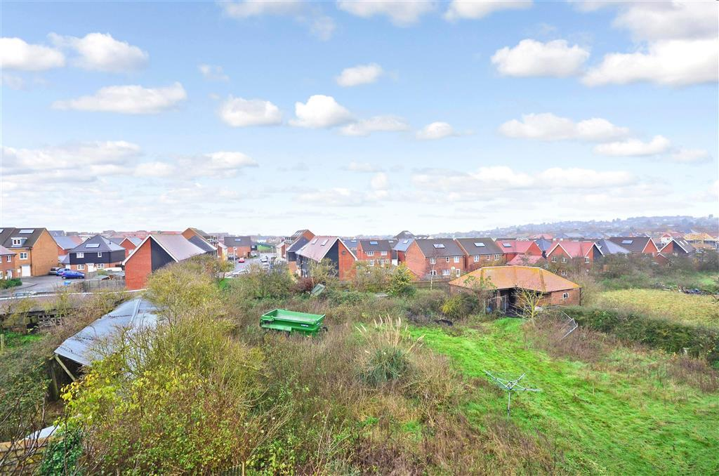 3 Bedroom Detached House For Sale In Scocles Road Minster