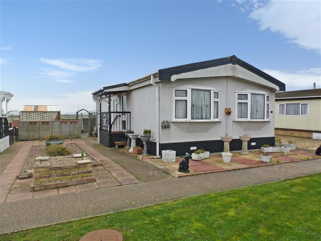 2 Bedroom Park Home For Sale In Kingsmead Park Allhallows