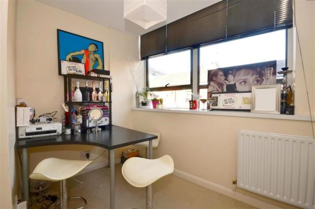 Kitchen/ Lounge Area