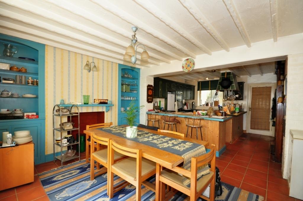 Turquoise kitchen design ideas photos inspiration - Turquoise and orange kitchen ...