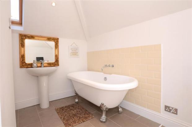 En-Suite Bathroom Area