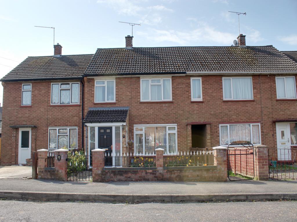 3 Bedroom Terraced House For Sale In Wittmead Road Mytchett Surrey Gu16 Gu16