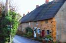 Cottage to rent in Mollington, OX17