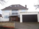 6 bedroom Detached house in MEADOW DRIVE, HENDON...