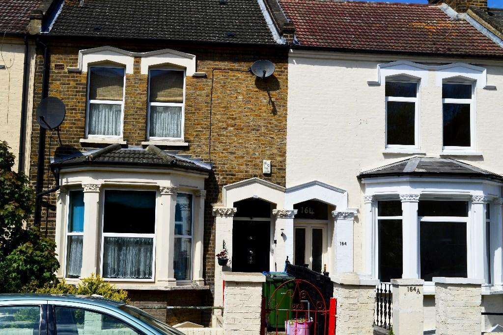 2 Bedroom Apartment To Rent In Herbert Road London Se18 Se18