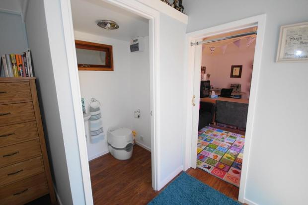Cabin Cloakroom