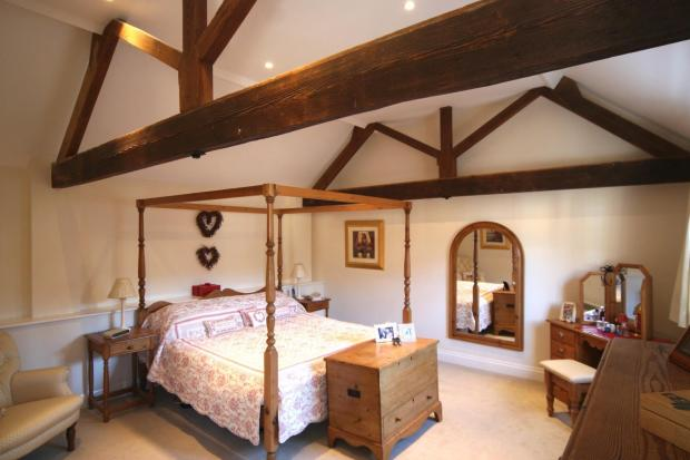 Master Bedroom (Thre