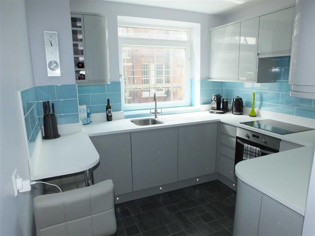 bedroom apartment for sale in baltimore court hove east sussex