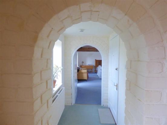 Entrance Hall/Cloakr