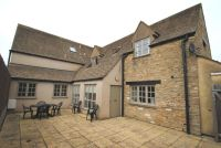 2 bedroom Cottage in Cricklade Road...