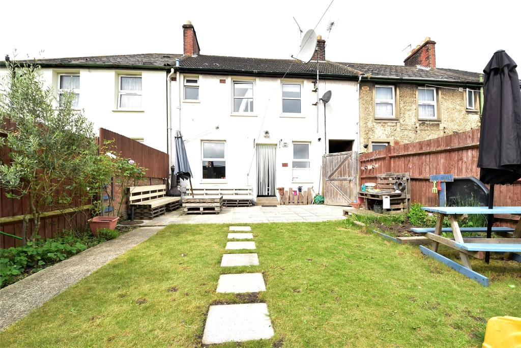 3 bedroom terraced house for sale in ash road dartford for 11 jackson terrace freehold nj