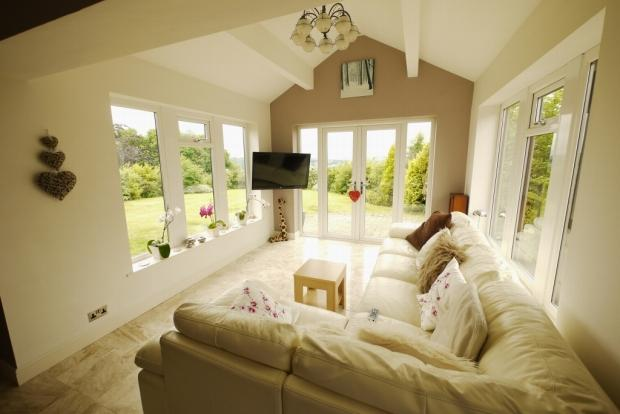 4 bedroom detached bungalow for sale in marsh lane for Garden rooms halifax
