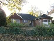 Bungalow to rent in Epsom