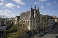 Apartment for sale in Guardian Court, Clifton...