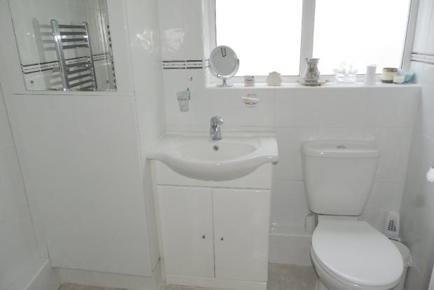 d/stairs shower rm