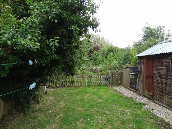 LAND32 Rear Gdn Pict