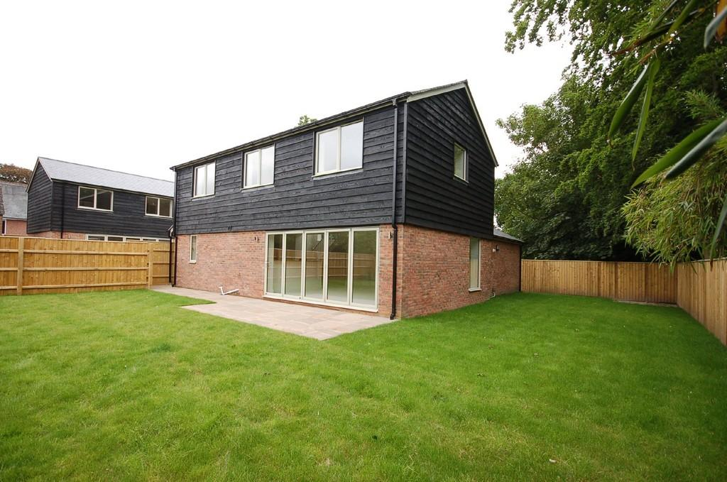 3 Bedroom Barn Conversion For Sale In New Milton Bh25