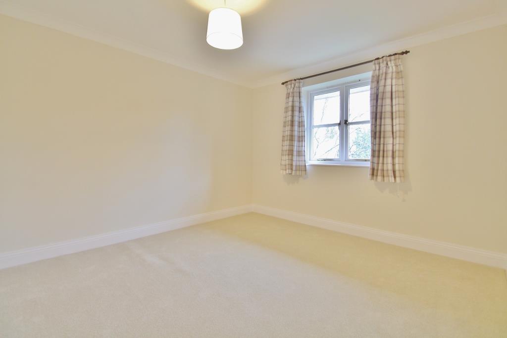 Bedroom 1 (1024x683)